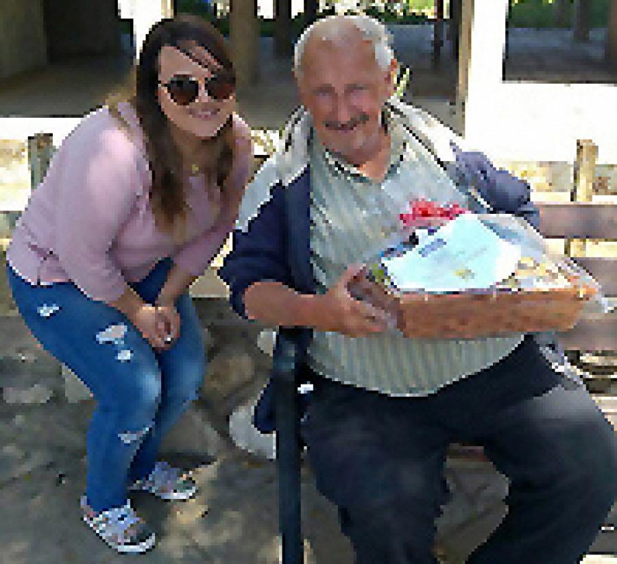 Beersheva branch volunteers bring Purim joy to the homebound and frail elderly
